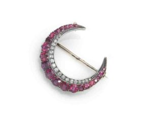 Antqiue jewellery vintage jewellery ruby crescent brooch icon