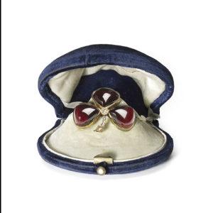Antique Garnet brooch trefoil gold by Mellerio