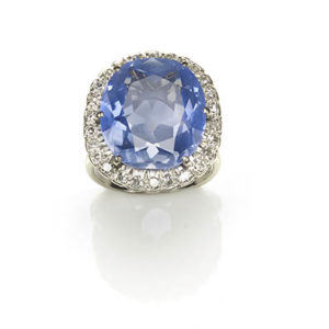 Vintage Large Sapphire and diamond cluster ring