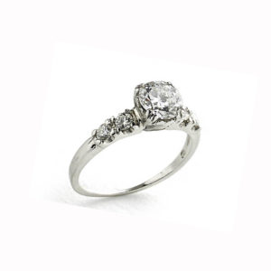 Old cut diamond ring, 0.75cts