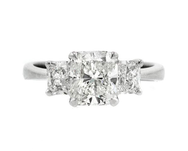 Large cushion cut diamond engagement ring 4 C's diamond grading