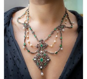 Georgian necklace Antique fitted box diamond pearl emerald