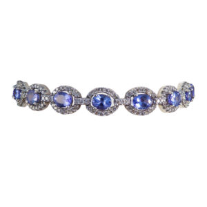 Contemporary Tanzanite and Diamond White Gold Bracelet