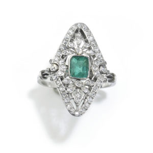 Antique Edwardian Emerald & Diamond Ring