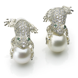 'Frog Prince' Freshwater Pearl Earrings