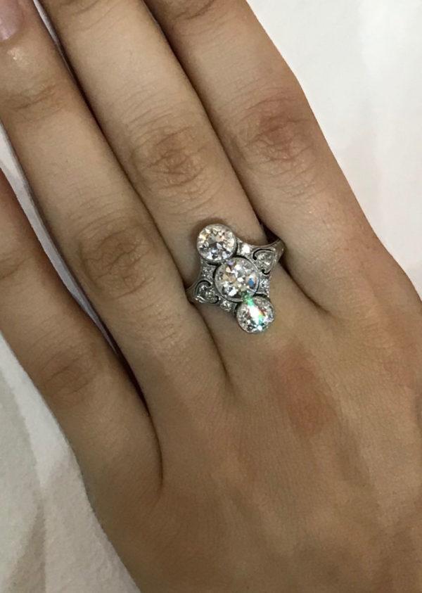 Art Deco diamond ring three diamonds