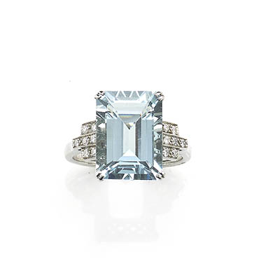 Art Deco Style Aquamarine & Diamond Ring