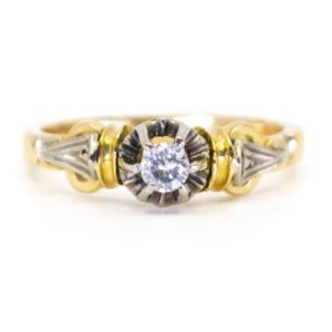 Antique Art Deco Single Stone Diamond Ring