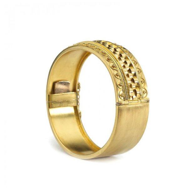 ANTIQUE VICTORIAN GOLD BANGLE MO2