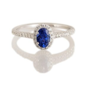 Oval Tanzanite and Diamond Cluster Ring