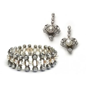 ANTIQUE PEARL & DIAMOND BRACELET & EARRINGS SUITE