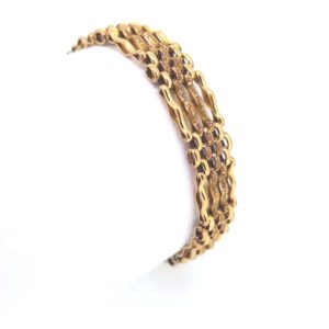 Victorian Gate Bracelet with Padlock, alternate links of clusters and bars. Contrast of textured and polished surfaces, 9ct Yellow Gold, 16.2g