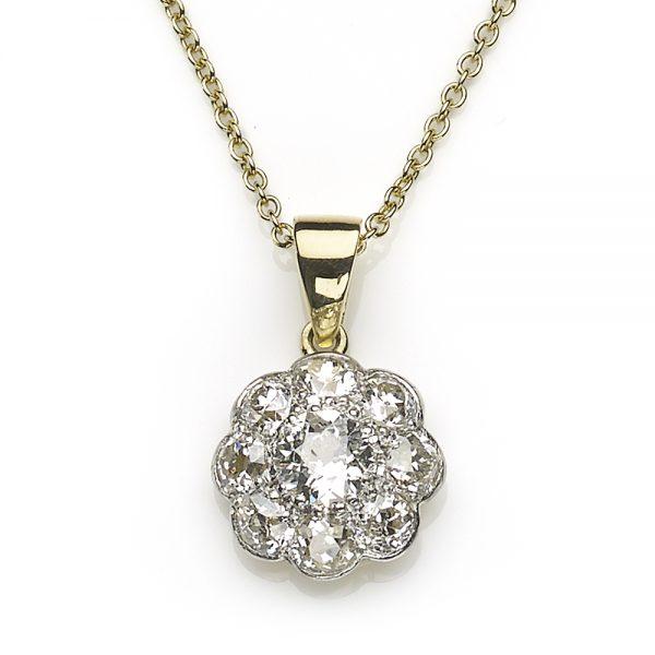 1.00ct Diamond Cluster Pendant in 18ct Gold