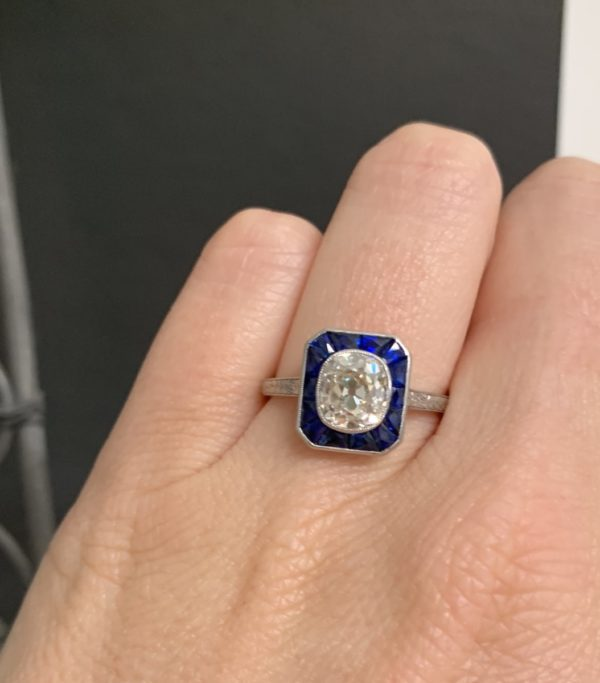 Art Deco antique sapphire engagememt ring