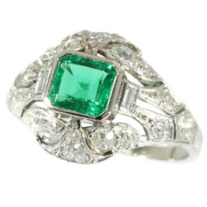 Antique Art Deco Columbian Emerald Diamond Platinum Ring