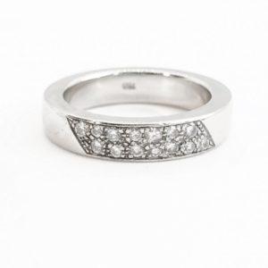 Vintage Brilliant Cut Diamond 18ct White Gold Band Ring