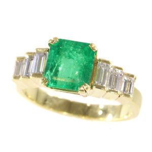 Vintage Colombian Emerald Diamond 18ct Gold Ring