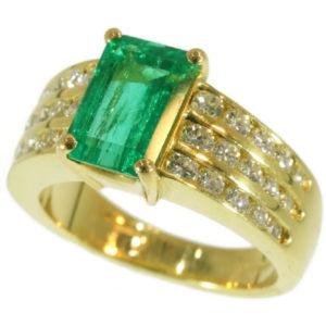 Vintage Kutchinsky Emerald Diamond 18ct Gold Ring