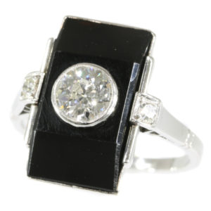 Antique Art Deco Onyx Diamond Platinum Ring