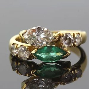 Vintage Diamond and Emerald Snake Ring in 18ct Yellow Gold