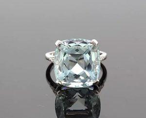 Cushion-Cut 15.17ct Aquamarine and Diamond Ring in Platinum