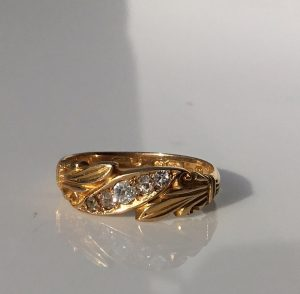 Late Victorian Graduated Five Stone Old Cut Diamond Wedding Ring Band