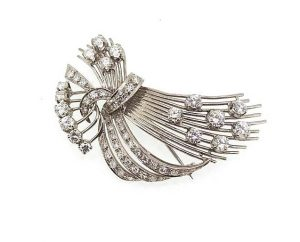 Vintage 2.50 carat Diamond and 18ct White Gold Spray Brooch