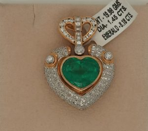 Colombian Emerald and Diamond Heart Shaped Pendant Brooch, 8.18ct