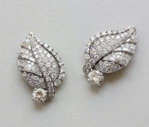 Art Deco Diamond Set Leaf Earrings, 5 carats, in Platinum and White Gold