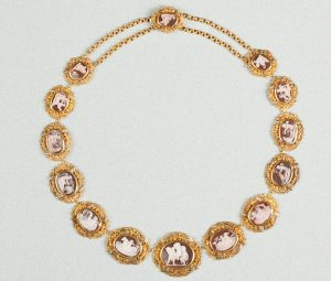 Antique Georgian Amor Cameo and 15ct Gold Necklace, c.1820-1830