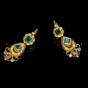Antique Georgian Emerald and Diamond Gold Drop Earrings