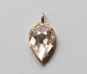 Bell and Bird 3.13ct Old Cut Pear Shaped Diamond Set 18ct Gold Locket
