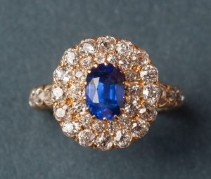 Antique Edwardian Oval sapphire and Old Cut Diamond Cluster Ring