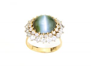Natural Cat's Eye Chrysoberyl and Diamond Cluster Ring, 18ct Gold, 11.00ct Total