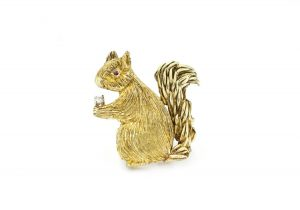 Vintage 18ct Yellow Gold Squirrel Brooch