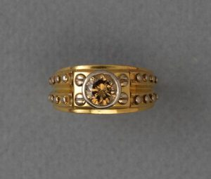 Vintage 1.00ct Fancy Brown Diamond and 18ct Gold Nail Ring