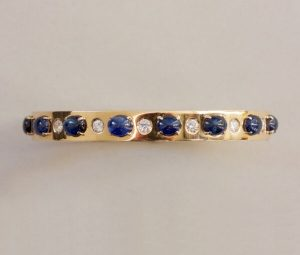 Vintage 7.00ct Sapphire, Diamond and 18ct Yellow Gold Bangle Bracelet