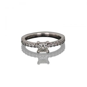 0.70ct Princess Cut Diamond Ring in 18ct White Gold