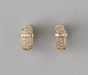 Contemporary 1.36ct Diamond set 18ct Yellow Gold Buckle Clip Earrings