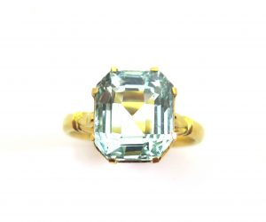 Vintage 4.66ct Aquamarine Single Stone Ring