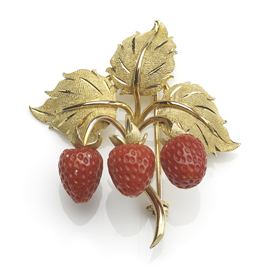 Vintage Carved Coral Strawberry Gold Brooch