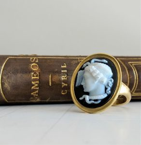 Antique Hardstone Medusa Cameo Ring in 18ct Yellow Gold