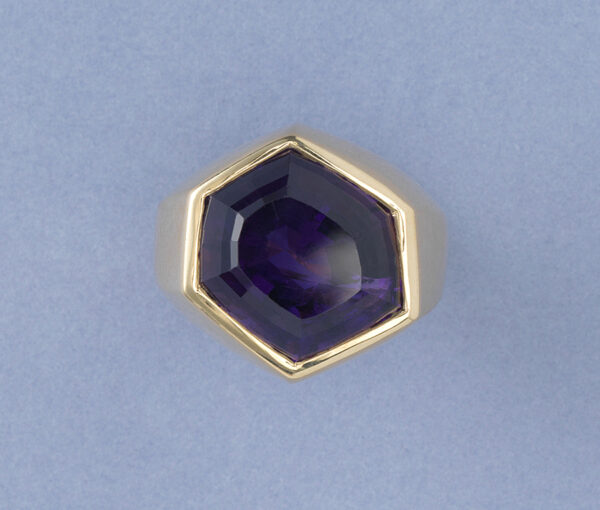 Tiffany and Co 13.5ct Amethyst Hexagonal Asymmetrical Ring in 18ct Yellow Gold, Signed, Paloma Picasso for Tiffany & Co., V.S., Circa 1980