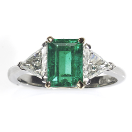 Contemporary Colombian 1.75ct Emerald and Diamond Ring