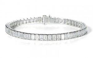 Emerald Cut Diamond Line Bracelet, 14 Carats Platinum