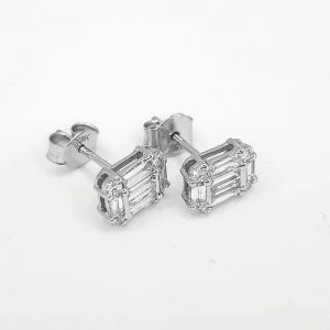 Baguette Cut Diamond Stud Earrings in 18ct White Gold, 0.77 carats