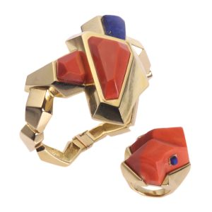 Vintage Seventies Pop-Art Coral and Lapis Lazuli Gold Bracelet and Ring Parure