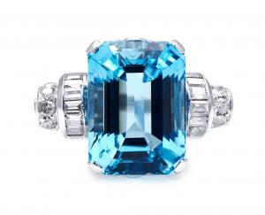 Art Deco Antique 10ct Aquamarine and Diamond Ring