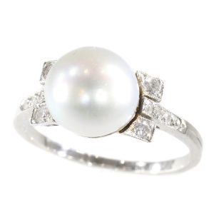 Antique Art Deco Ring with Large Pearl and Diamonds