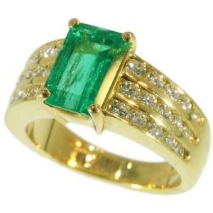 Vintage Kutchinsky 2.33 Carat Natural Emerald and Diamond 18 Carat Yellow Gold Ring